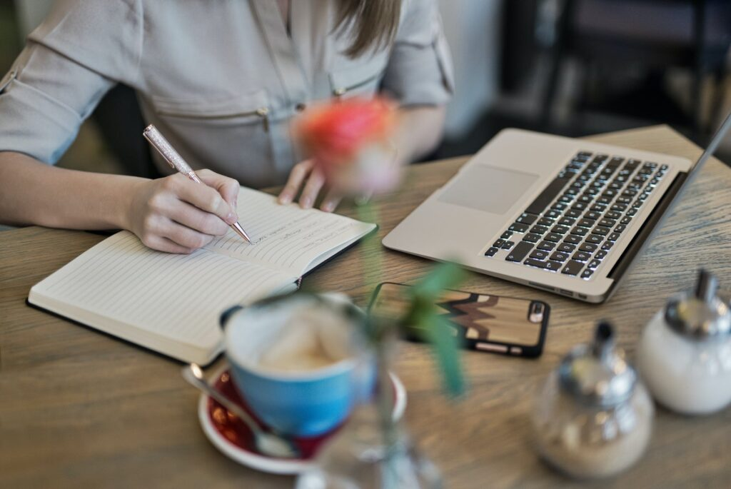 featured-cara-menjadi-content-writer